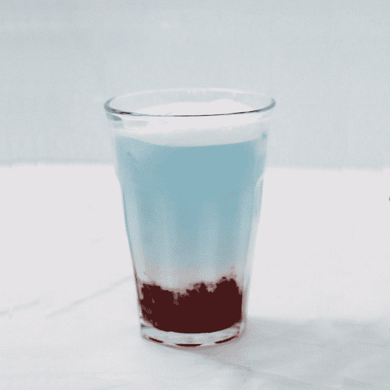 Latte au Pois Papillon et à la fraise